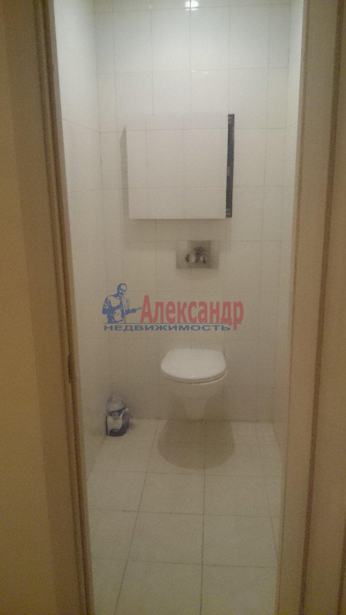 Комната в 3-комнатной квартире (96м2) в аренду по адресу Наличная ул., 36— фото 6 из 8