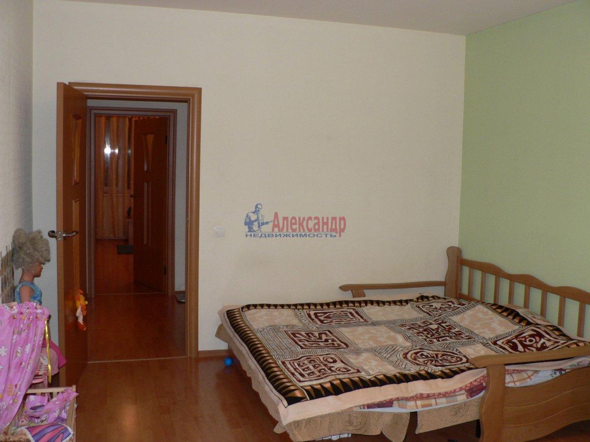 1-комнатная квартира (35м2) в аренду по адресу Стачек пл., 92— фото 2 из 5