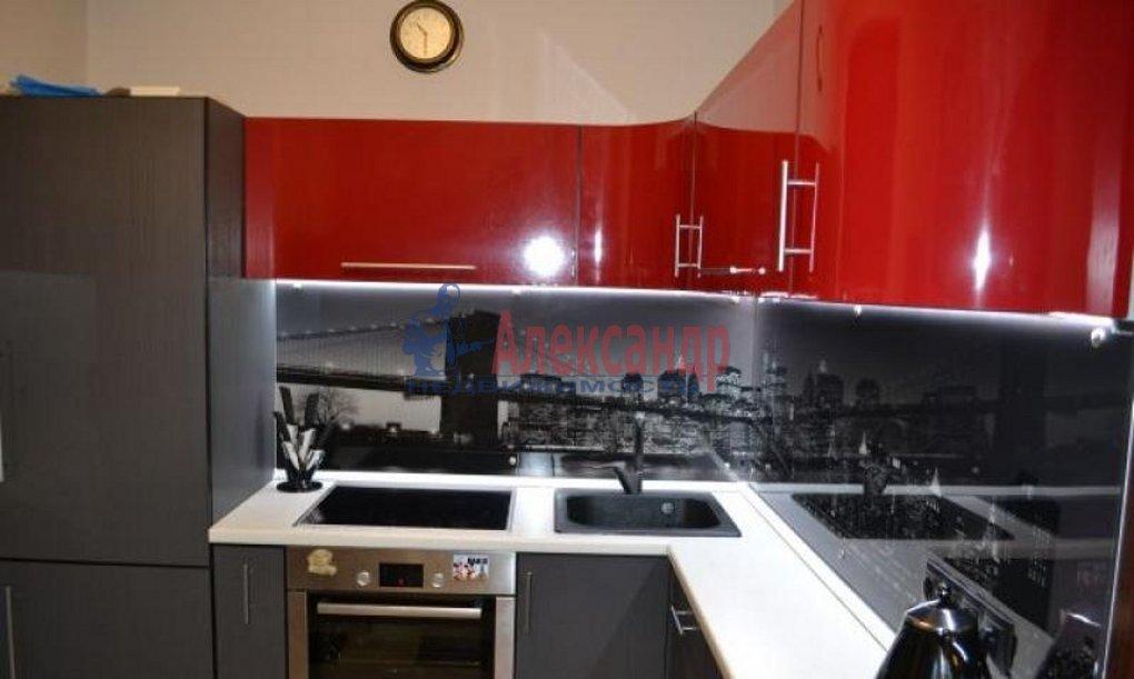 1-комнатная квартира (41м2) в аренду по адресу Пулковская ул., 8— фото 1 из 9