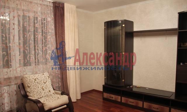 2-комнатная квартира (65м2) в аренду по адресу Ворошилова ул., 25— фото 3 из 8