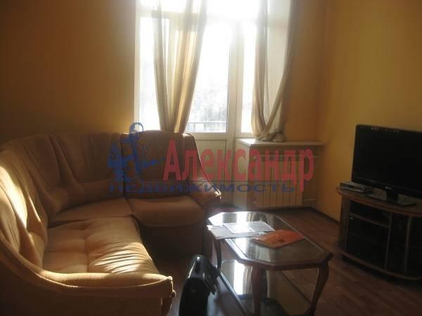2-комнатная квартира (57м2) в аренду по адресу Типанова ул., 7— фото 1 из 4