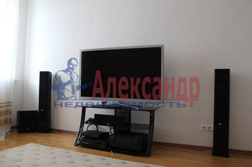 2-комнатная квартира (70м2) в аренду по адресу Обуховской Обороны пр., 138— фото 6 из 9