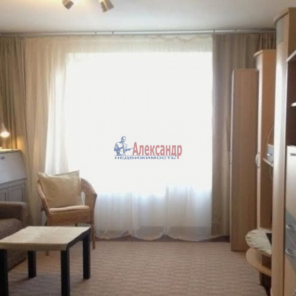 1-комнатная квартира (45м2) в аренду по адресу Брестский бул., 11— фото 2 из 4