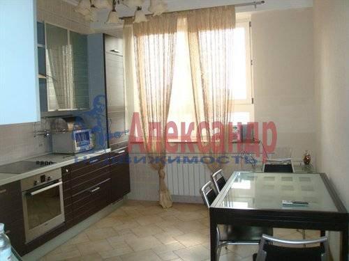 2-комнатная квартира (70м2) в аренду по адресу Мытнинская ул., 2— фото 1 из 12