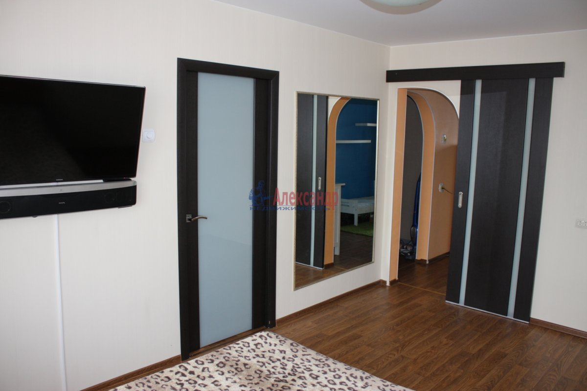 1-комнатная квартира (40м2) в аренду по адресу Бабушкина ул., 82— фото 6 из 7
