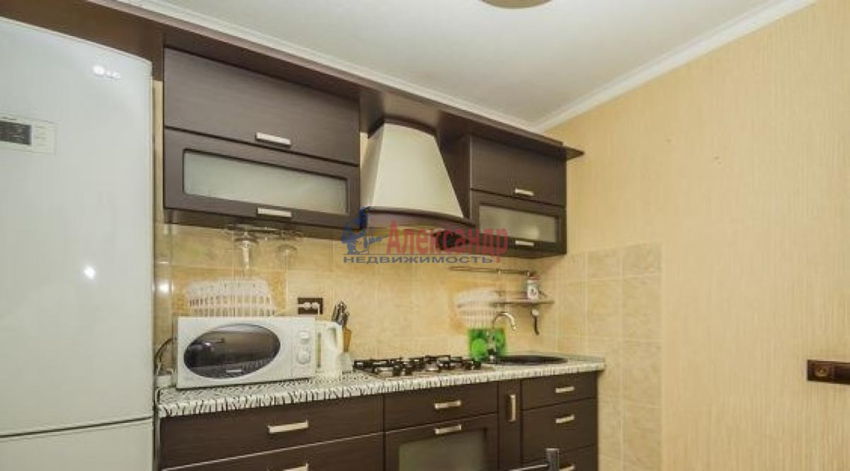 1-комнатная квартира (40м2) в аренду по адресу Лени Голикова ул., 29— фото 1 из 6