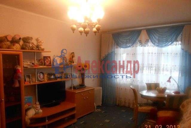 1-комнатная квартира (39м2) в аренду по адресу Восстания ул., 42— фото 1 из 3