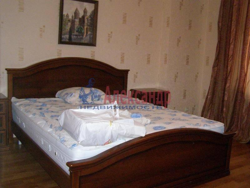 2-комнатная квартира (70м2) в аренду по адресу Шлиссельбургский пр., 24— фото 5 из 6