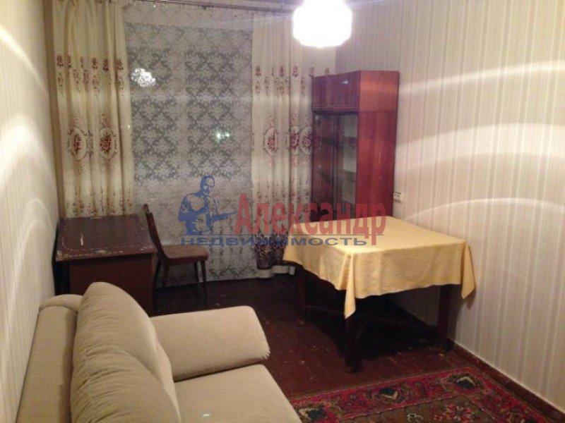 2-комнатная квартира (50м2) в аренду по адресу Маршала Блюхера пр., 59— фото 3 из 4