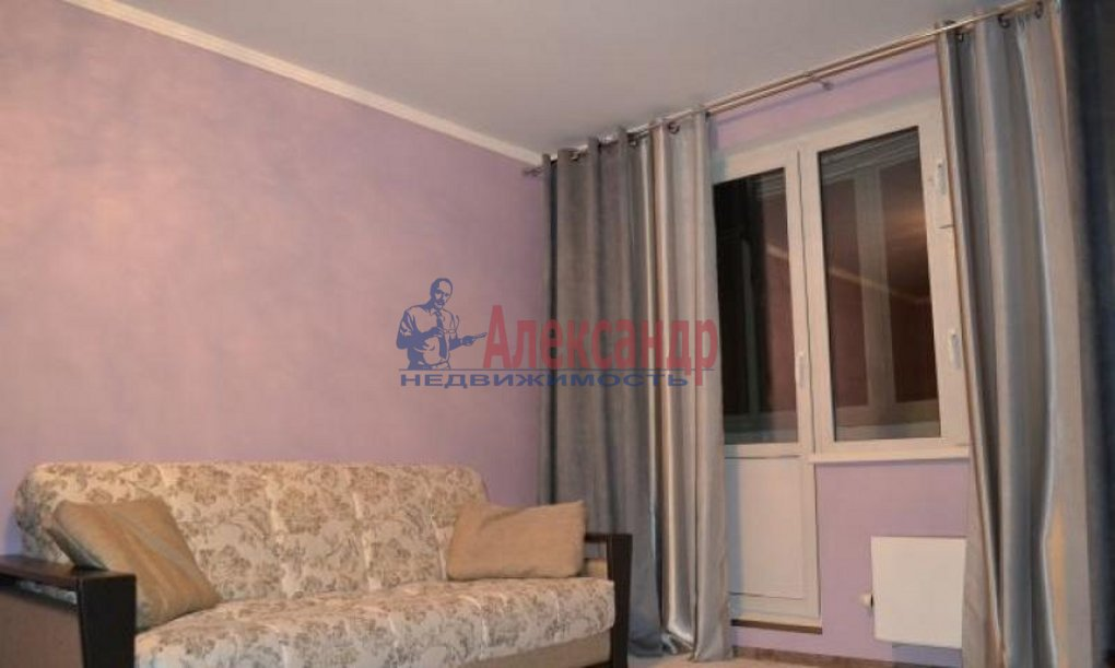 1-комнатная квартира (41м2) в аренду по адресу Пулковская ул., 8— фото 3 из 9