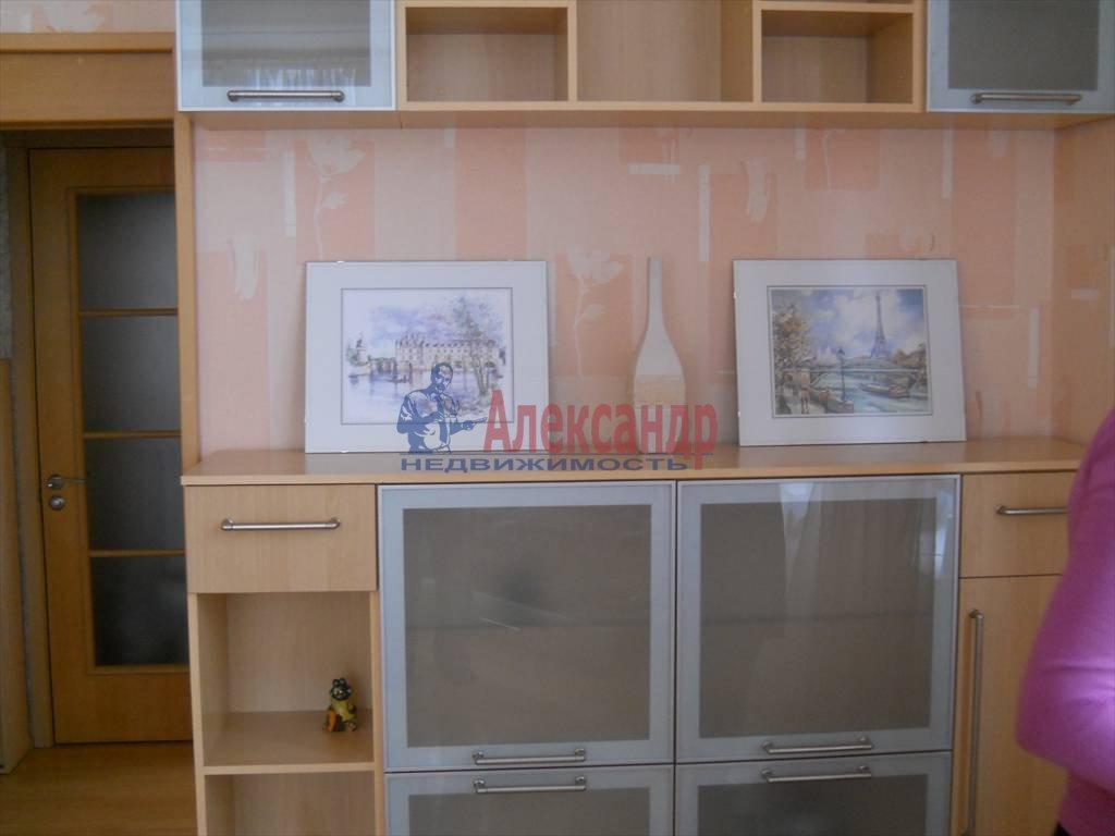 2-комнатная квартира (60м2) в аренду по адресу Кораблестроителей ул.— фото 2 из 12