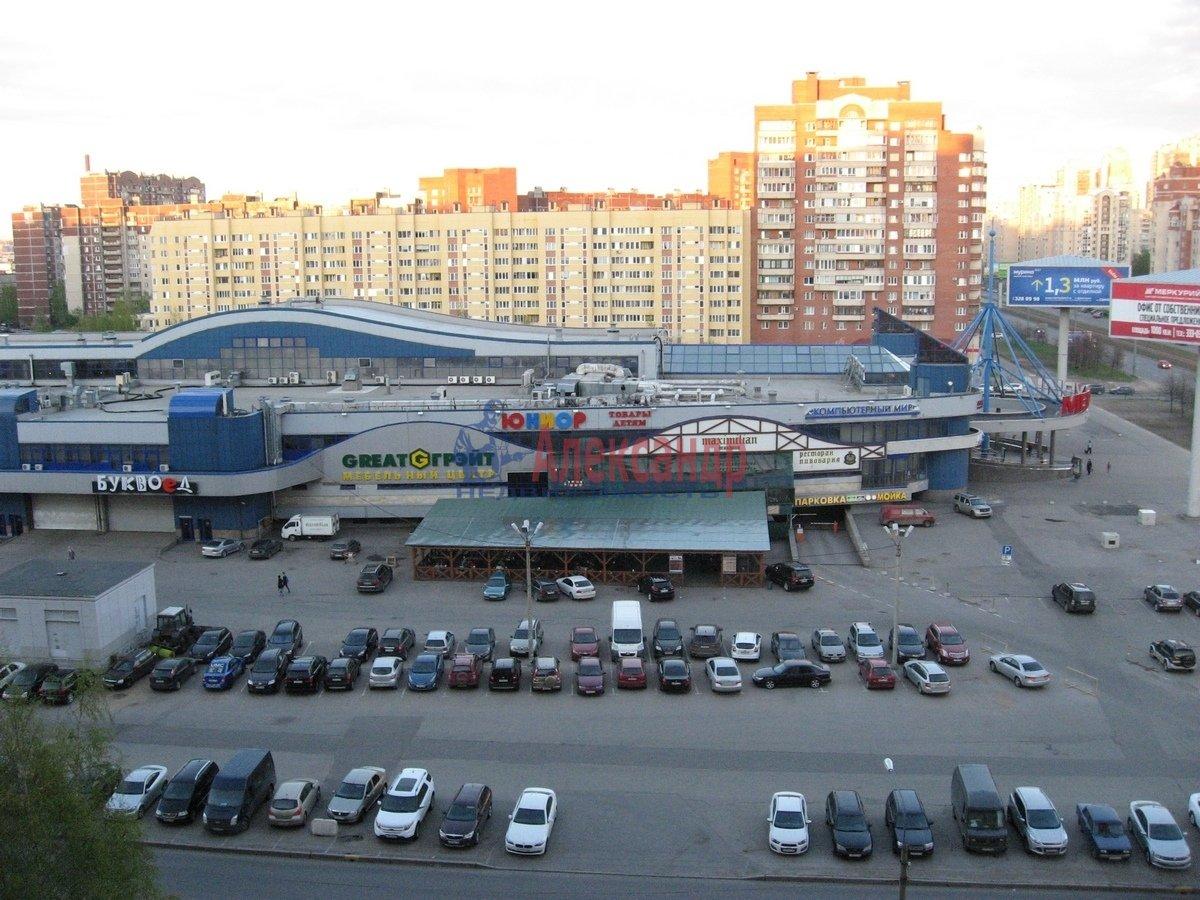 2-комнатная квартира (65м2) в аренду по адресу Савушкина ул., 143— фото 1 из 13