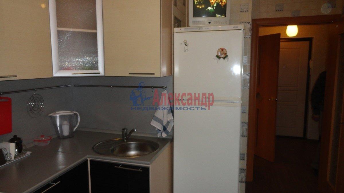 1-комнатная квартира (39м2) в аренду по адресу Шуваловский пр., 84— фото 2 из 5