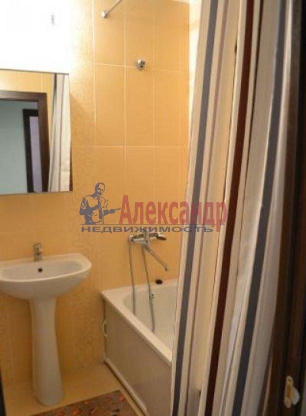 1-комнатная квартира (41м2) в аренду по адресу Пулковская ул., 8— фото 4 из 9
