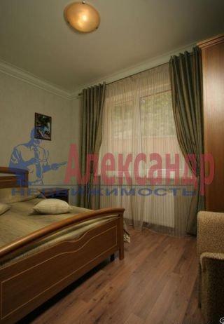 2-комнатная квартира (61м2) в аренду по адресу Обуховской Обороны пр., 110— фото 2 из 5