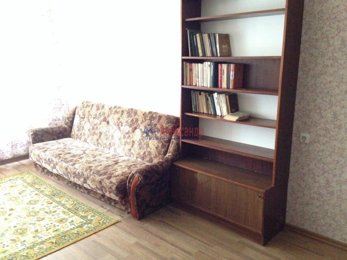 1-комнатная квартира (35м2) в аренду по адресу Космонавтов просп., 65— фото 2 из 9