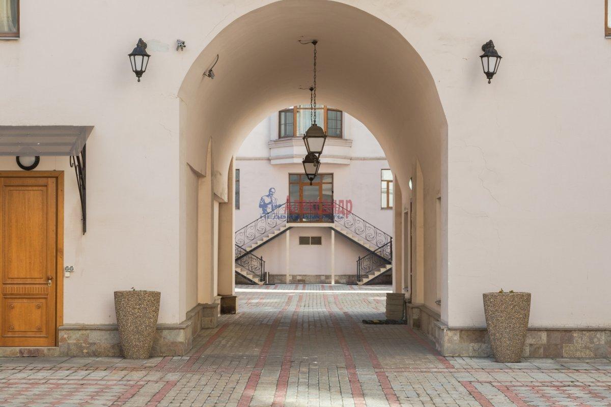 3-комнатная квартира (108м2) в аренду по адресу Введенская ул., 21— фото 24 из 25