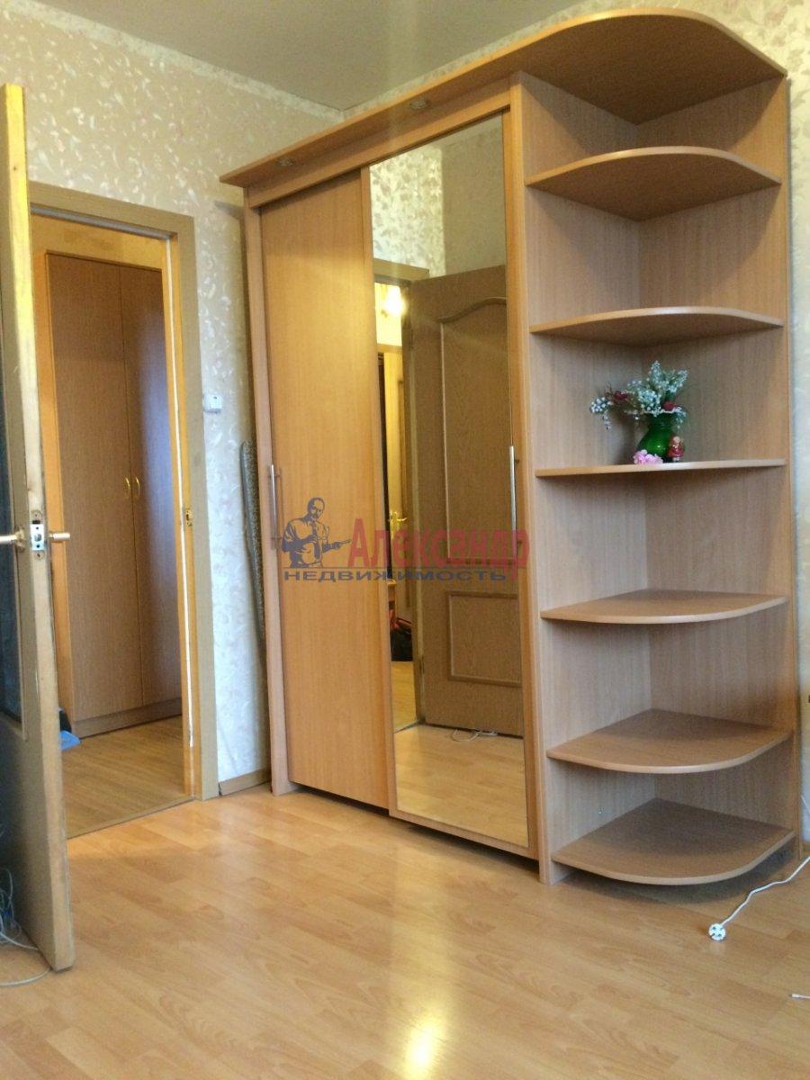 2-комнатная квартира (56м2) в аренду по адресу Передовиков ул., 1— фото 2 из 14
