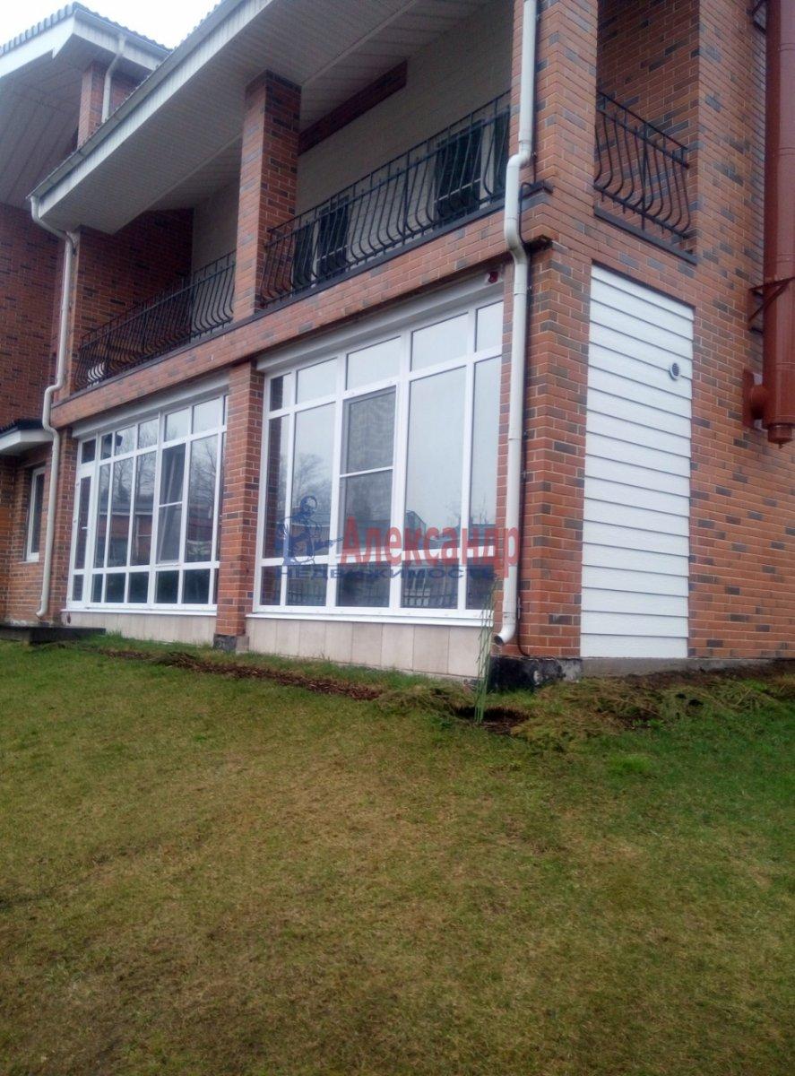 3-комнатная квартира (130м2) в аренду по адресу Солнечное пос., Нагорная ул., 2— фото 10 из 12