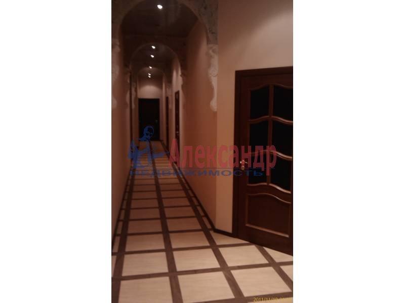 4-комнатная квартира (140м2) в аренду по адресу Большой пр., 82— фото 3 из 5