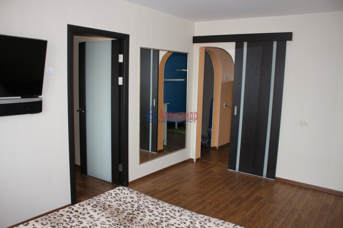 1-комнатная квартира (40м2) в аренду по адресу Бабушкина ул., 82— фото 7 из 7