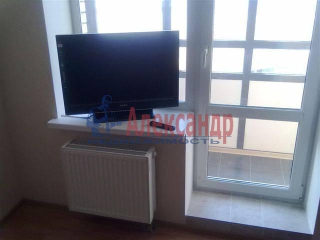 1-комнатная квартира (35м2) в аренду по адресу Нейшлотский пер., 11— фото 2 из 8