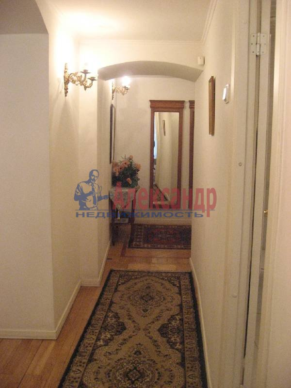 1-комнатная квартира (70м2) в аренду по адресу Рубинштейна ул., 3— фото 11 из 13