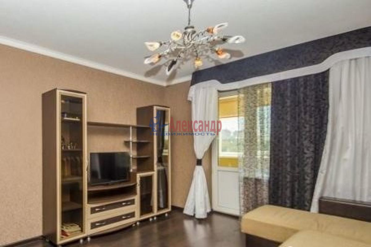 1-комнатная квартира (40м2) в аренду по адресу Лени Голикова ул., 29— фото 2 из 6