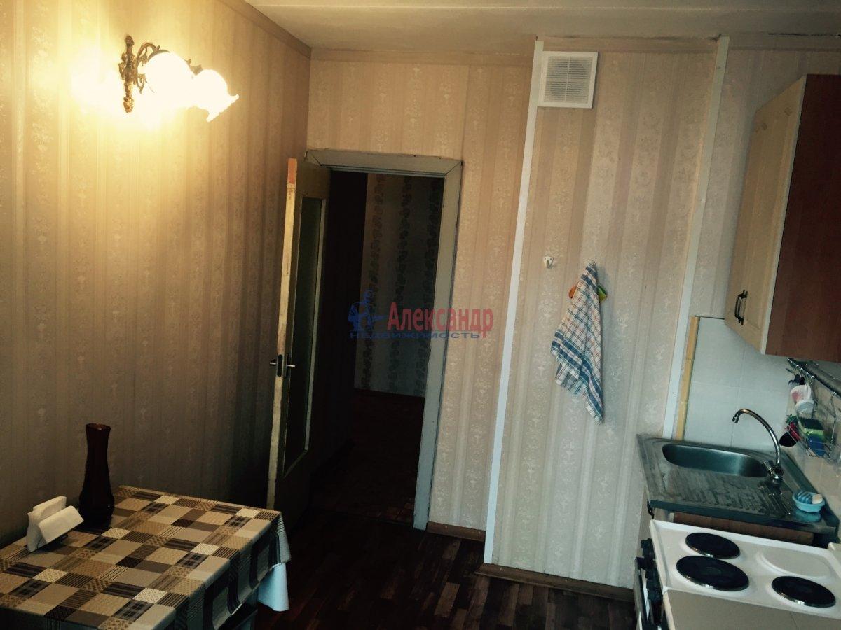 1-комнатная квартира (30м2) в аренду по адресу Рашетова ул., 5— фото 2 из 5