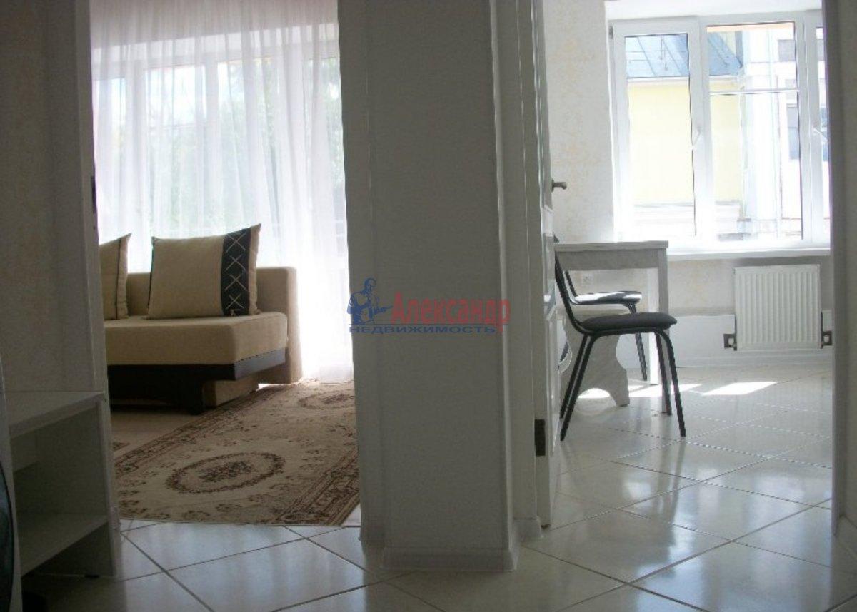 1-комнатная квартира (40м2) в аренду по адресу Просвещения пр., 52— фото 2 из 3