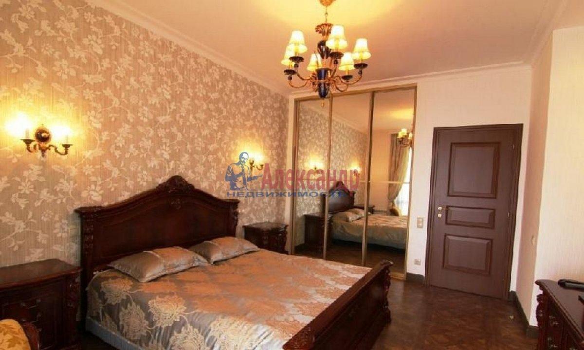 2-комнатная квартира (85м2) в аренду по адресу Манежный пер., 11— фото 1 из 3