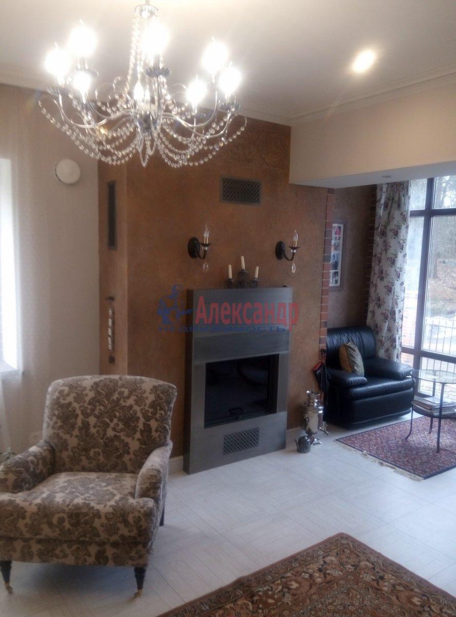 3-комнатная квартира (130м2) в аренду по адресу Солнечное пос., Нагорная ул., 2— фото 1 из 12