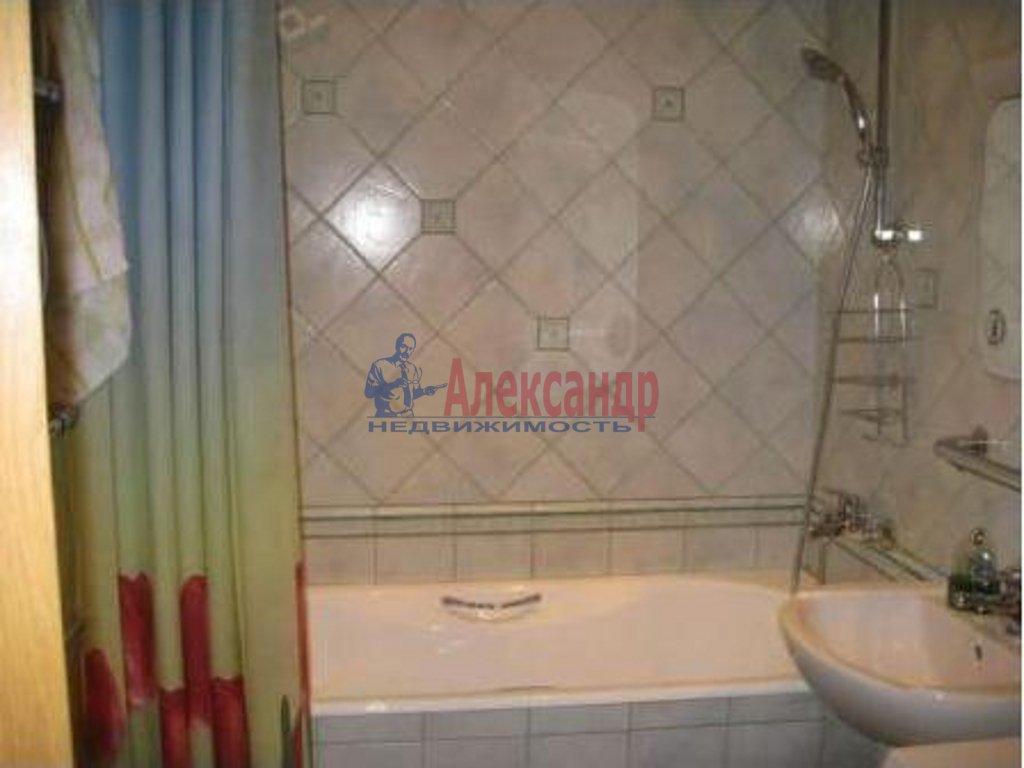 2-комнатная квартира (43м2) в аренду по адресу Кузнецова пр., 26— фото 3 из 3