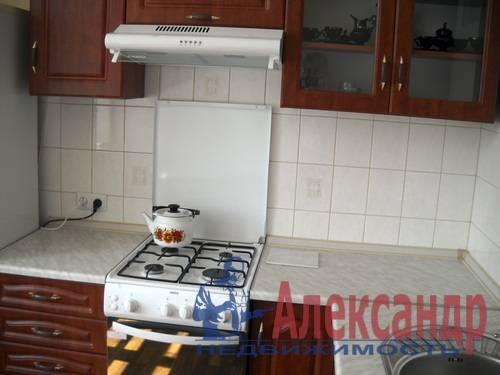 2-комнатная квартира (54м2) в аренду по адресу Новоизмайловский просп., 35— фото 2 из 7