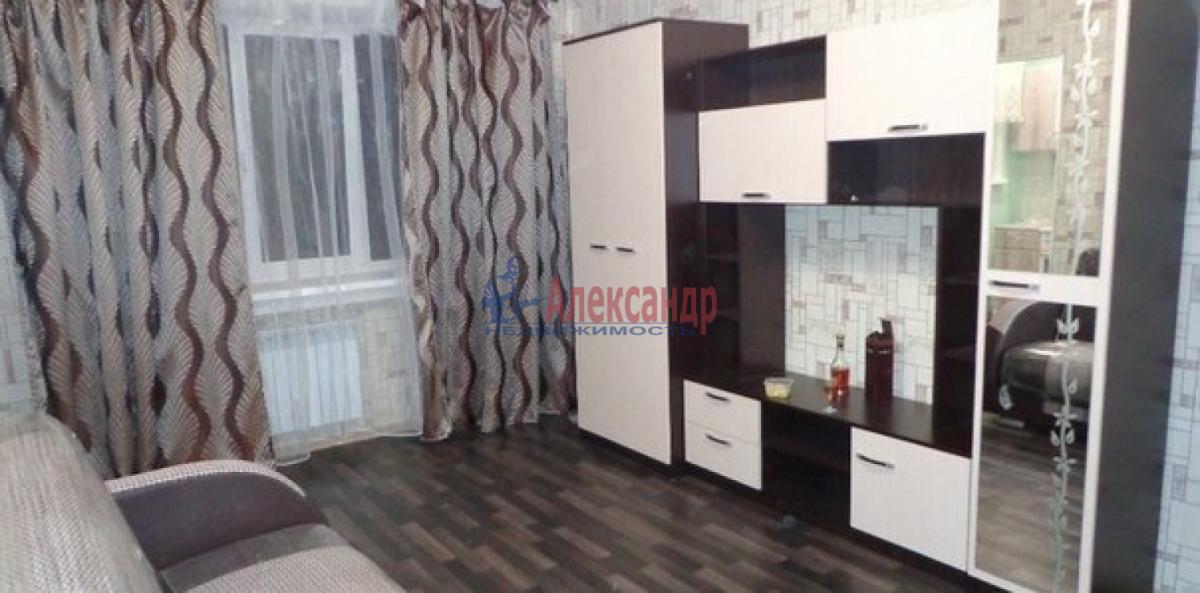 1-комнатная квартира (41м2) в аренду по адресу Кораблестроителей ул., 32— фото 2 из 5