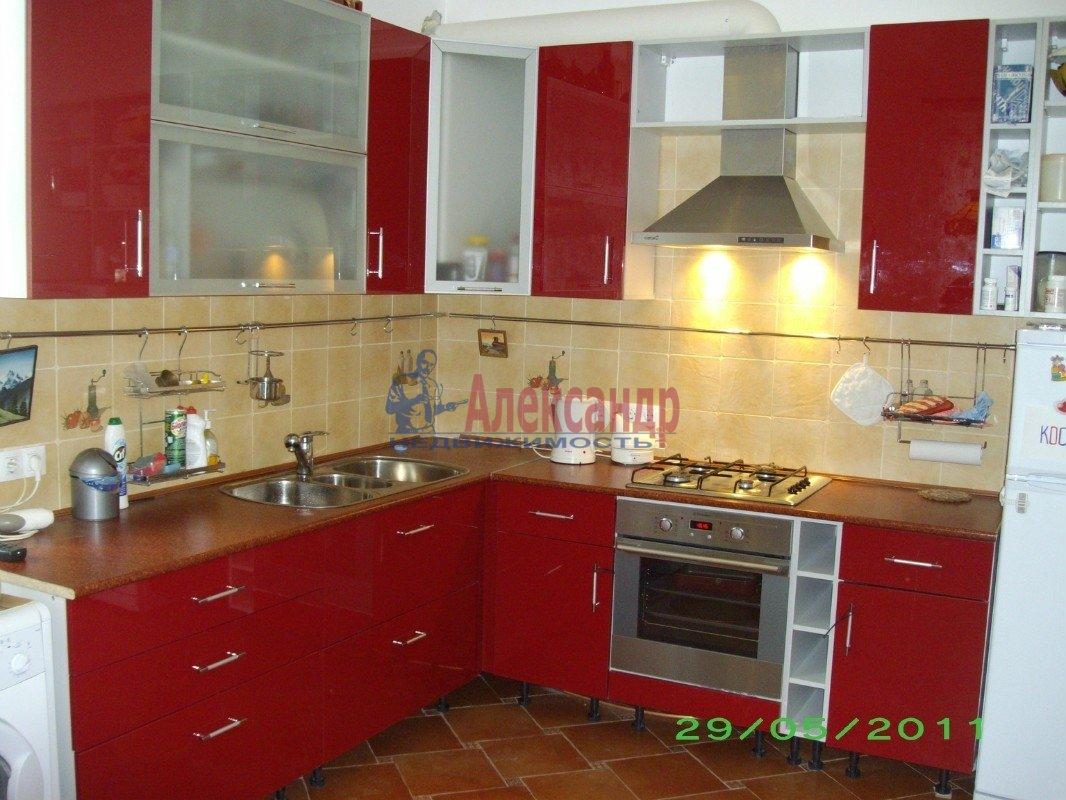 3-комнатная квартира (110м2) в аренду по адресу Петергофское шос., 57— фото 1 из 3