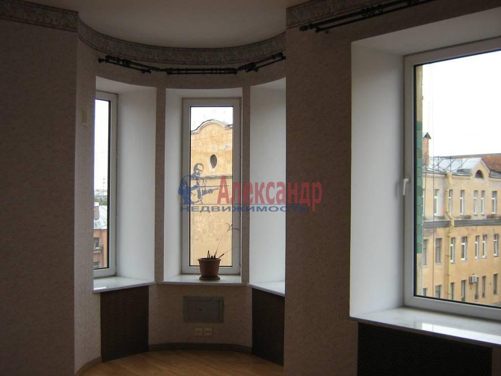 4-комнатная квартира (110м2) в аренду по адресу Суворовский пр., 51— фото 4 из 5