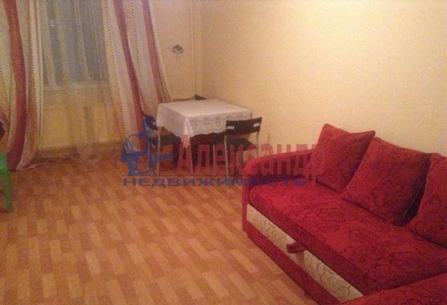 1-комнатная квартира (39м2) в аренду по адресу Малый В.О. пр., 65— фото 1 из 4