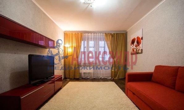 1-комнатная квартира (42м2) в аренду по адресу Бутлерова ул., 40— фото 4 из 4