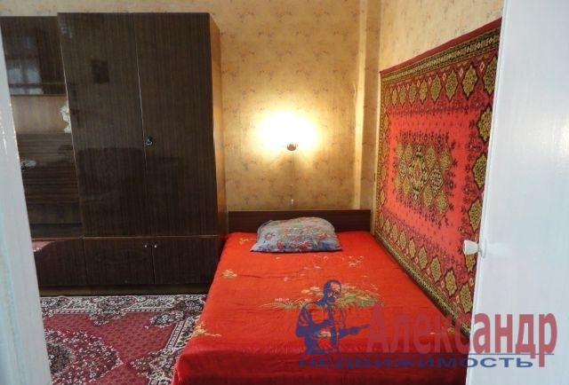 1-комнатная квартира (31м2) в аренду по адресу Дальневосточный пр., 80— фото 2 из 4