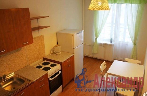 1-комнатная квартира (40м2) в аренду по адресу Комендантская пл., 8— фото 1 из 3