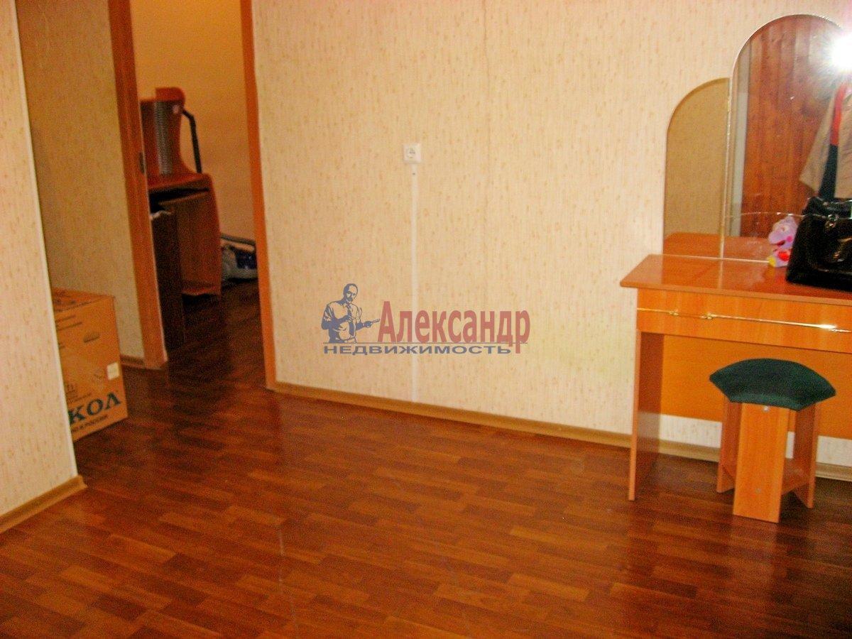 2-комнатная квартира (65м2) в аренду по адресу Савушкина ул., 143— фото 4 из 13