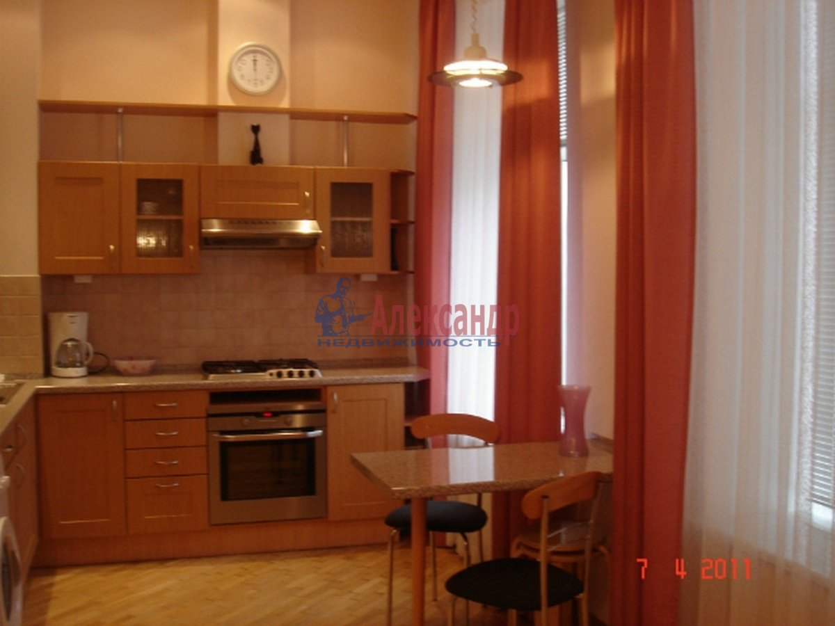 3-комнатная квартира (102м2) в аренду по адресу Невский пр., 162— фото 2 из 10