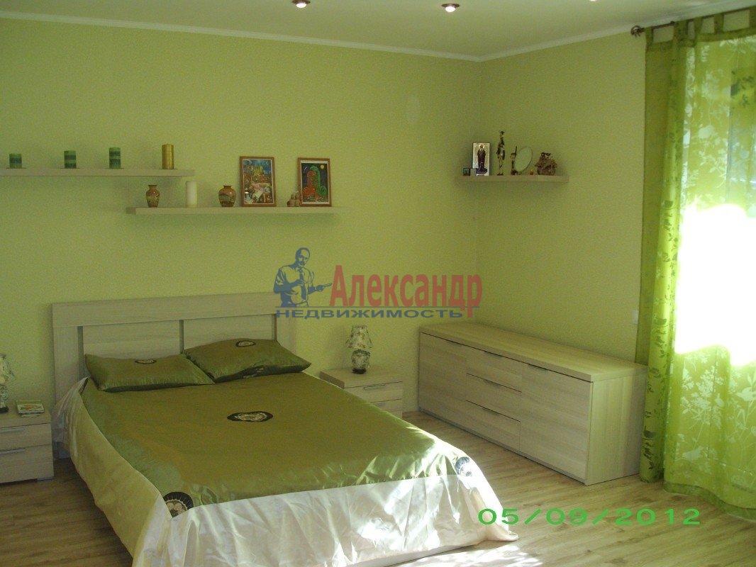3-комнатная квартира (110м2) в аренду по адресу Петергофское шос., 57— фото 2 из 3