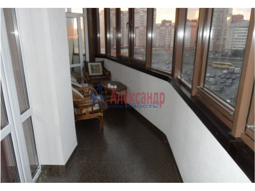 3-комнатная квартира (98м2) в аренду по адресу Приморский пр., 137— фото 2 из 12