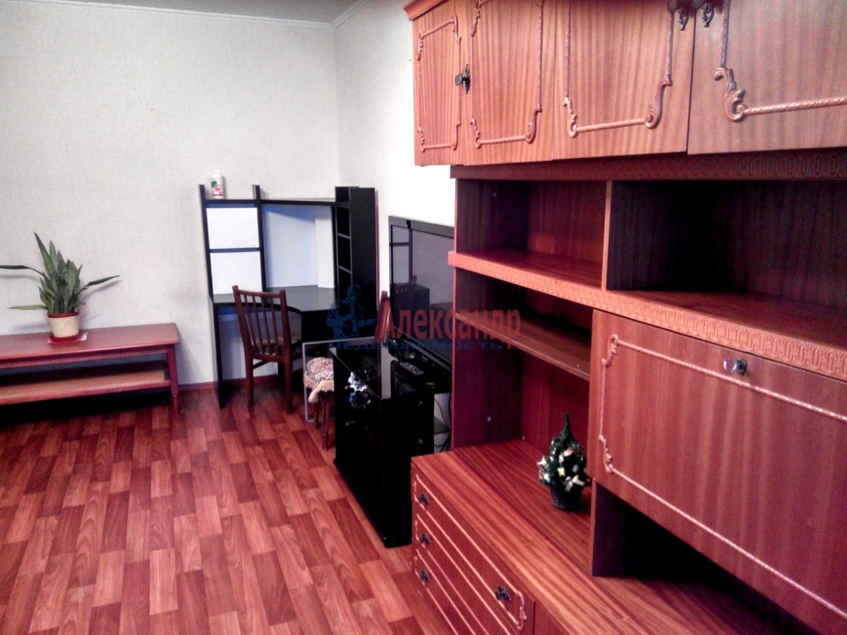 1-комнатная квартира (35м2) в аренду по адресу Парашютная ул., 54— фото 2 из 4