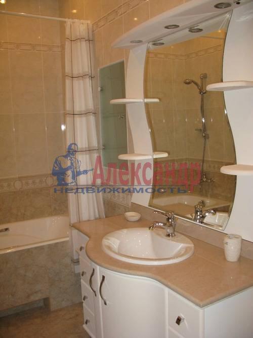 2-комнатная квартира (85м2) в аренду по адресу Ленсовета ул., 88— фото 1 из 10