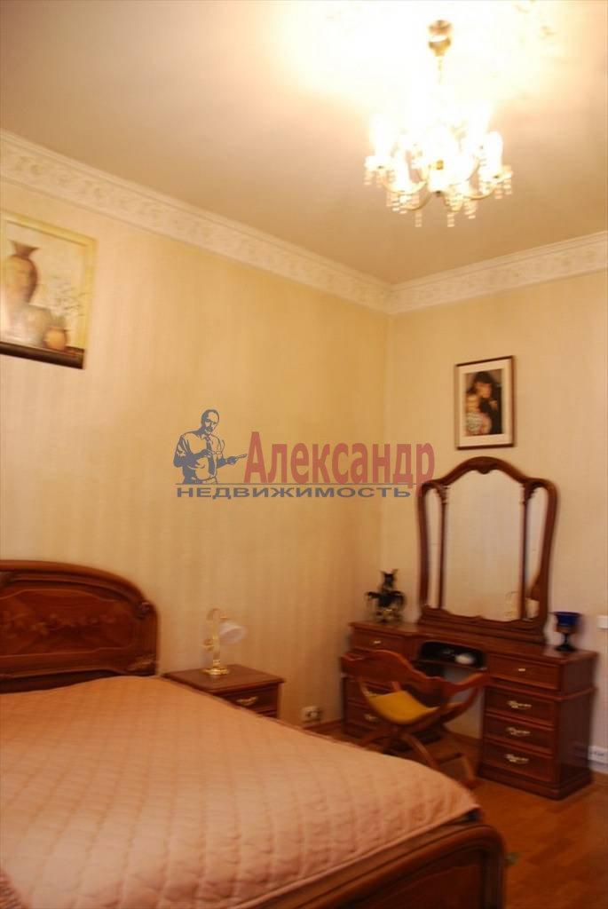 3-комнатная квартира (86м2) в аренду по адресу Суворовский пр., 56— фото 1 из 7