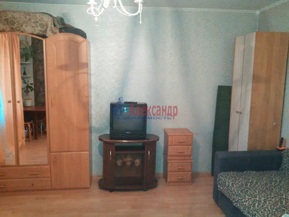 1-комнатная квартира (32м2) в аренду по адресу Сертолово г., Заречная ул., 6— фото 1 из 3