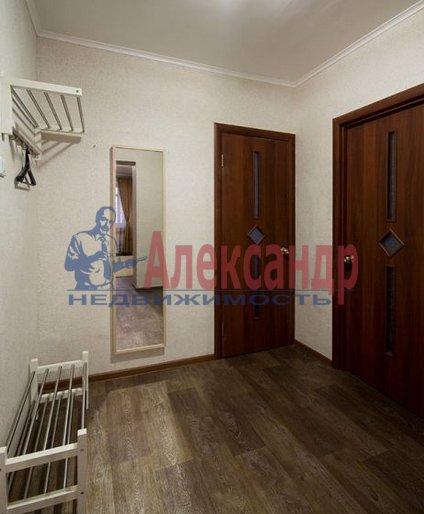 1-комнатная квартира (42м2) в аренду по адресу Бутлерова ул., 40— фото 3 из 4